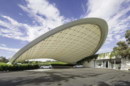 Перекрытие парковки и павильон в VW Autostadt