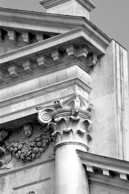 А.Палладио, Сан Джорджо Маджоре в Венеции, 1566. Листья капителей и карнизы Палладио не нарезает, как в Колизее © А.Д. Бархин