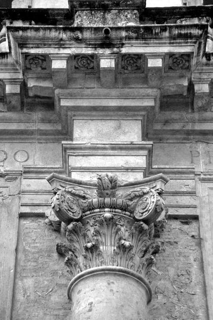 Лоджия дель Капитанио в Виченце, 1571. Палладио, в отличие, например, от Виньолы, использовал в композитной капители дисковые волюты © А.Д. Бархин