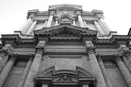 К.Райнальди. Санта Мария ин Кампителли в Риме, 1663. Крупный масштаб и монументальность, редкое по экспрессии приближение к древнеримской архитектуре поражают в этой работе Райнальди © А.Д. Бархин