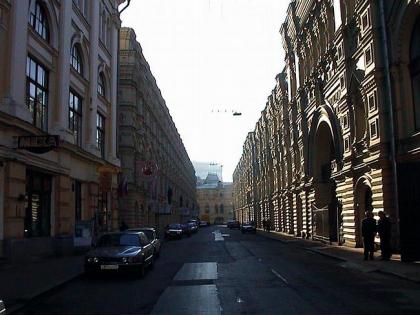Реконструкция здания Малого ГУМа по Ветошному пер.