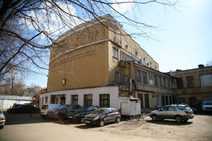 Реконструкция здания на 1-ой Фрунзенской улице. «Дом-самолет»