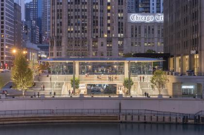 Магазин Apple на Мичиган-авеню