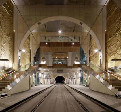 Подземные станции трамвая в Вирофле