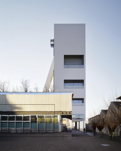 Корпус Torre в комплексе Фонда Prada