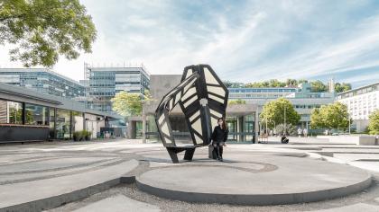 Подражая божьей коровке: в Штутгарте построили адаптивный павильон, который меняет свою конфигурацию от прикосновения