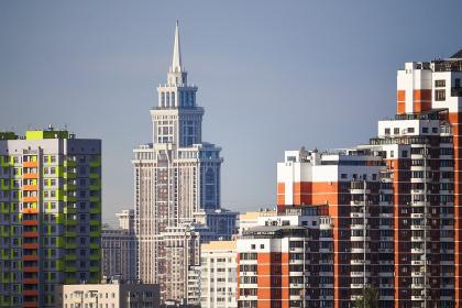 Бодипозитив от архитектуры: как (и зачем) полюбить уродливые здания 90-х и 00-х