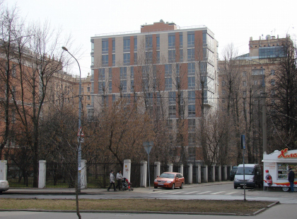 Жилой дом с физкультурным комплексом на 3-й Фрунзенской улице