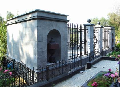 Склеп на Даниловском кладбище