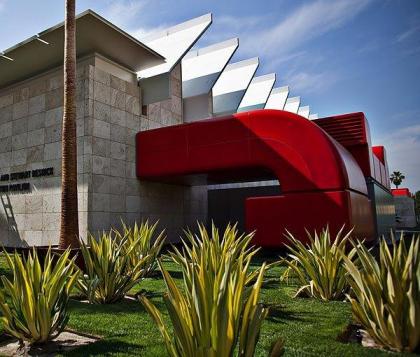 Выставочный павильон Ресник Музея искусств округа Лос-Анджелес LACMA