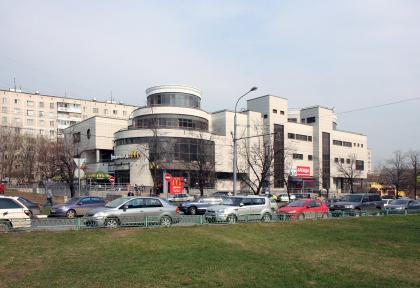 Mixed-use retail complex on Veshnyakovskaya street