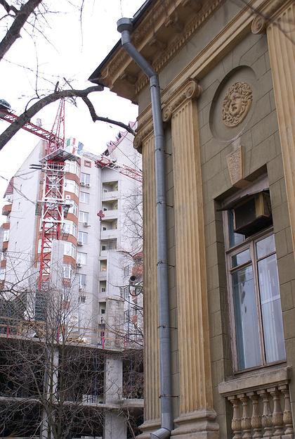 Особняк Н.Парамонова в Ростове-на-Дону и убийственное новое окружение.