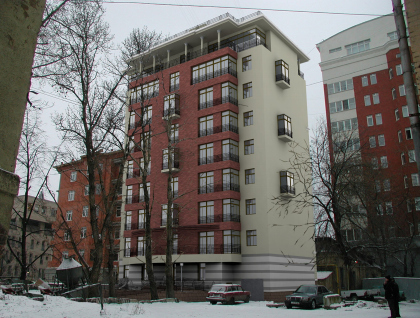Apartment building reconstruction in the 1st Spasonalivkovski pereulok