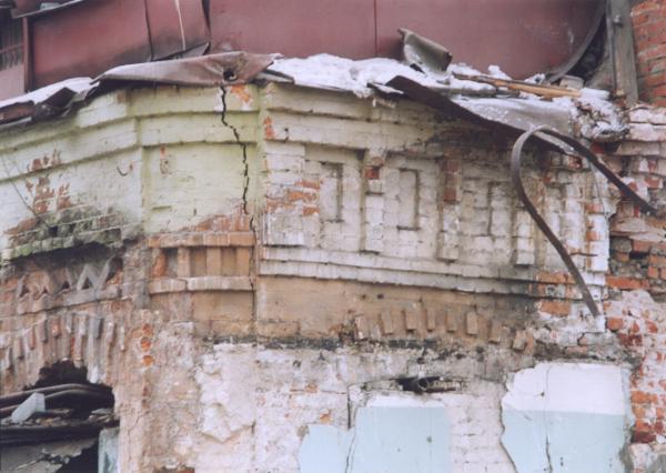 Фрагмент исторической кирпичной кладки, использованной как мотив для орнамента в новом проекте; 2013 Предоставлено Студией Уткина