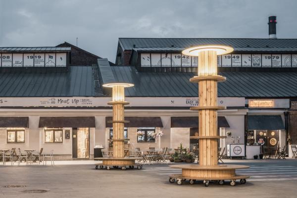 Светильники-катушки на бульваре. Севкабель ПОРТ / проект АБ «Хвоя» Фотография © Григорий Соколинский