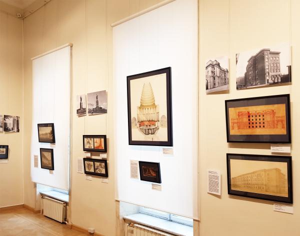 Третий зал, в основном послевоенный Фотография: Архи.ру / Выставка: «Александр Гегелло: между классикой и конструктивизмом» / Музей архитектуры, 2019