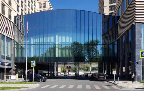 ВТБ Арена Парк: Hyatt Regency, стеклянный объем конференц-зала Фотография: Архи.ру