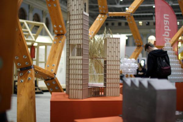 Инсталляция Portner architects / Саша Лукич yf ntve «Прозрачность идеи – идея прозрачности». Фестиваль «Зодчество» 2019  Фотография: Архи.ру