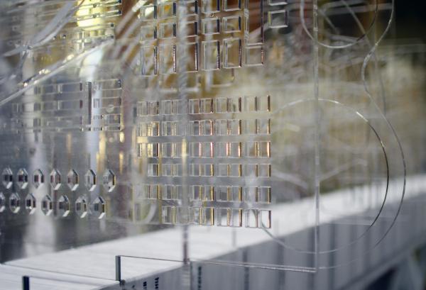 Инсталляция «Лекало архитектора», куратор Эдуард Кубенский. Фестиваль «Зодчество» 2019  Фотография: Архи.ру