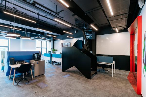 Кабинет с лестницей на второй уровень. Офис Inspiritum Фотография © Владимир Солнцев/предоставлено Меандр