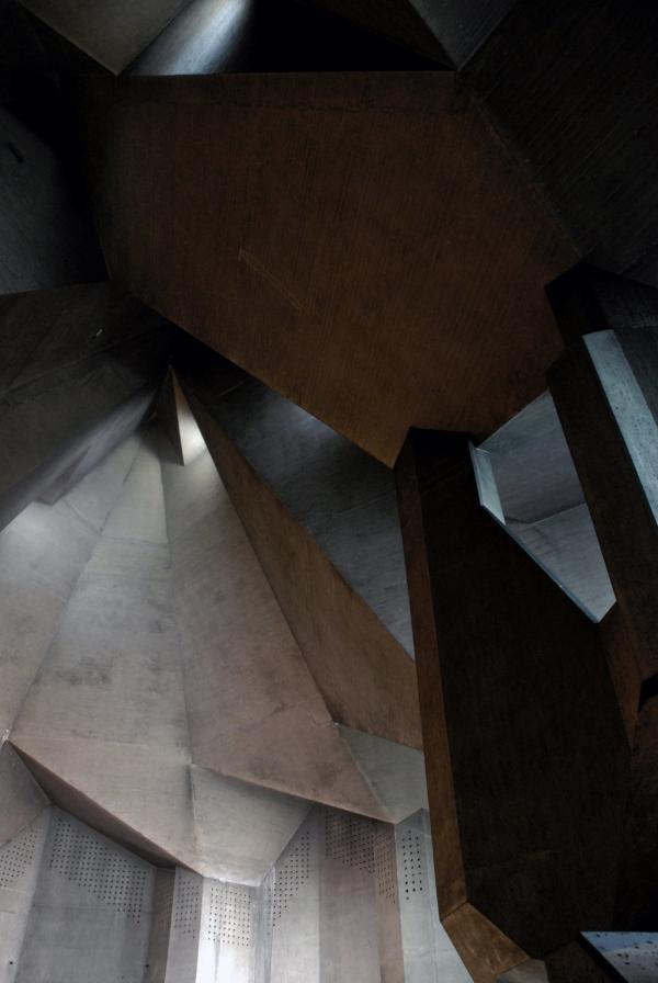 Церковь Богоматери в Невигесе. 1968 Фото: SEIER+SEIER via flickr.com. Лицензия Attribution 2.0 Generic (CC BY 2.0)