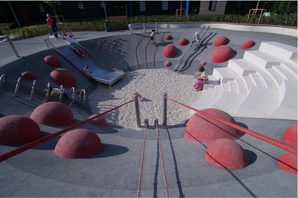 Детская площадка «Салют» в Парке Горького Предоставлено компанией Barka Construction
