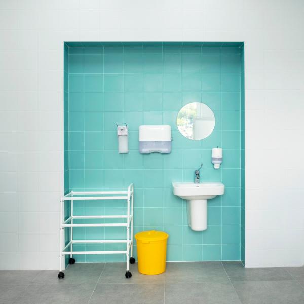 Медицинский кабинет, цветовая ниша (мокрая зона). Рестайлинг медицинских офисов «Инвитро» Фотография © Варвара Соболева