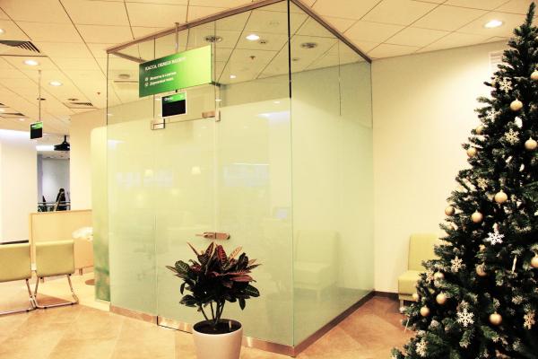 кассовые кабины в отделении ПАО Сбербанк, г. Москва Предоставлено Private Glass