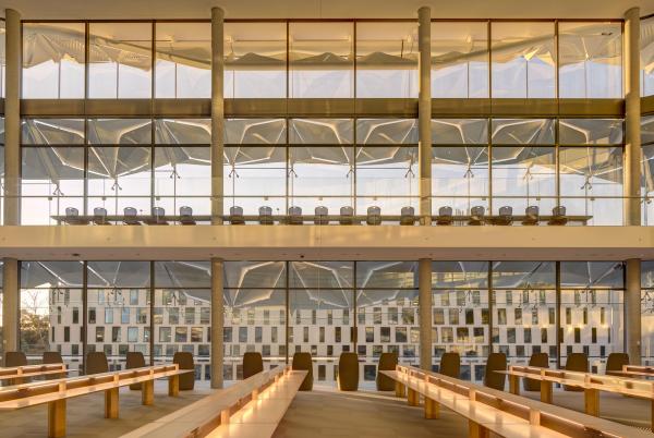 UTS Central – корпус Технологического университета Сиднея  Francis-Jones Morehen Thorp Pty Ltd. Фотография © Brett Boardman