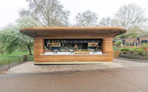 Киоск в одном из Королевских парков Лондона Фото © Colicci. Предоставлено Mizzi Studio