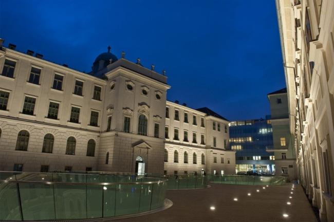 Музей Иоаннеум - реконструкция двора