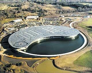 Технологический центр McLaren в Уокинге