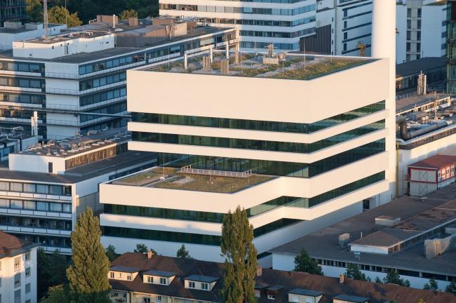 Исследовательский корпус B97 комплекса концерна Roche © F. Hoffmann-La Roche Ltd.