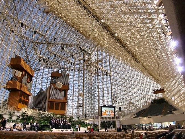 Филип Джонсон. «Хрустальный собор». Интерьер. Фото с сайта archinect.com