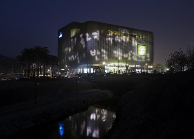 Торговый центр Galleria Centercity в Чхонане © Kim Yong-Kwan
