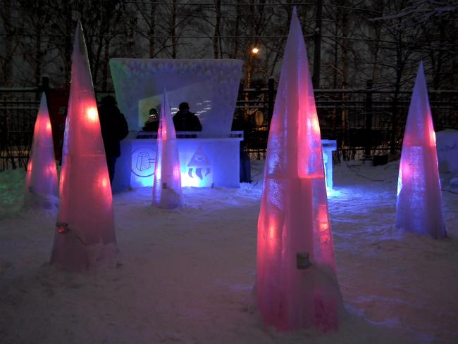 Index_Nazhdak. Interactive Frozen Installation. MOROZ city, Москва, 2012.