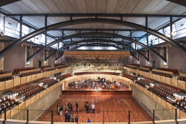 Актовый зал Сиднейской средней школы © PTW