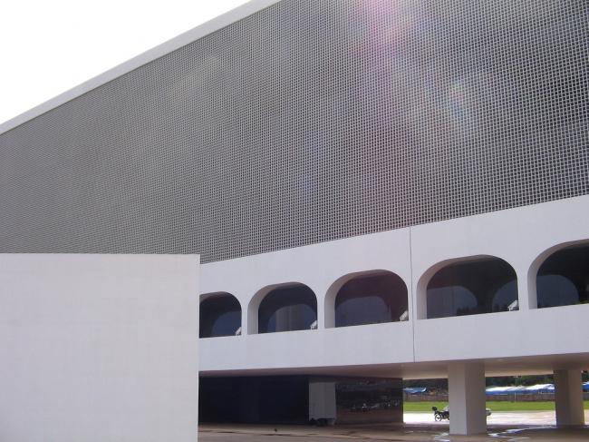Национальная Библиотека им. Леонеля де Моуры Бризолы. Фото: Cesar Cardoso via flickr.com. Лицензия CC BY 2.0