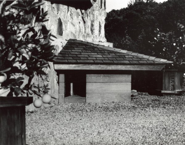 Будка по проекту Ф. Л. Райта. Конец 1950-х гг. Фото с сайта architizer.com