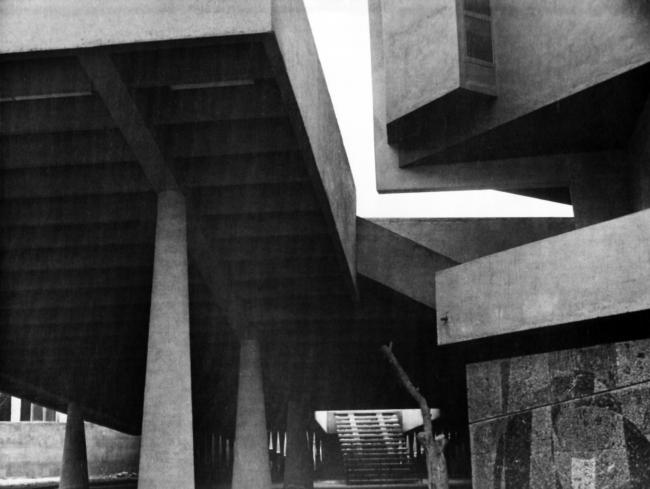 Ереван, летний зал кинотеатра Москва, 1966, арх.С.Кнтехцян, Т.Геворкян, частично разрушен. Фото предоставлено Кареном Бальяном