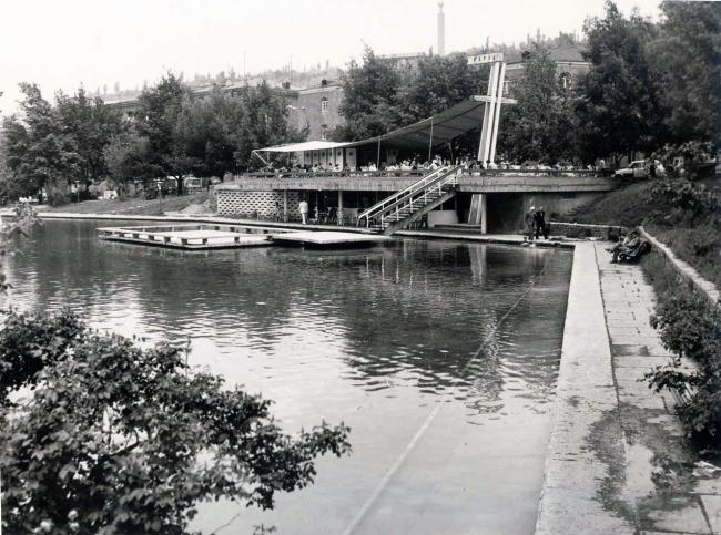 Ереван, кафе Поплавок 1960-е годы арх. Ф.Дарбинян, перестроено. Фото предоставлено Кареном Бальяном