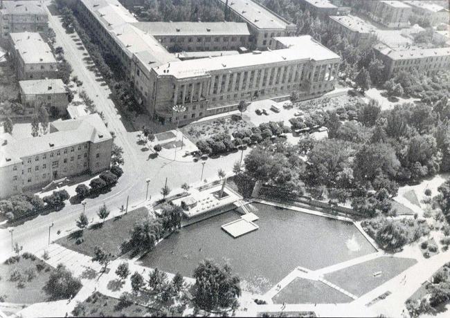 Ереван. Кольцевой бульвар, 1960-е гг. Фото предоставлено Кареном Бальяном