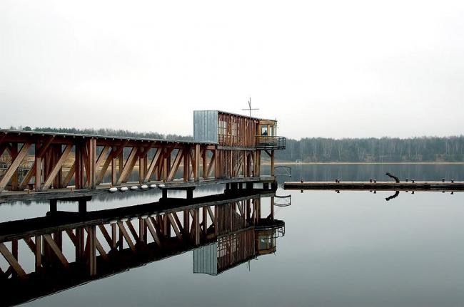 Мост-маяк. Курорт «ПИРогово». Фото Ильи Иванова