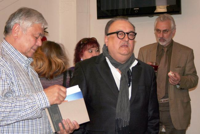 Тотан Кузембаев пришел поздравить коллег
