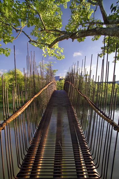 Пешеходный мостик через озеро Остин в Техасе. Мастерская Miro Rivera Architects, победитель.