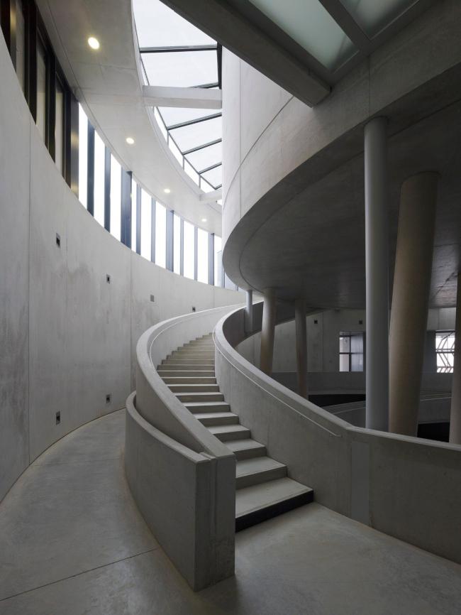 Алезия - музейный и археологический парк. Информационный центр. Фото © Christian Richters