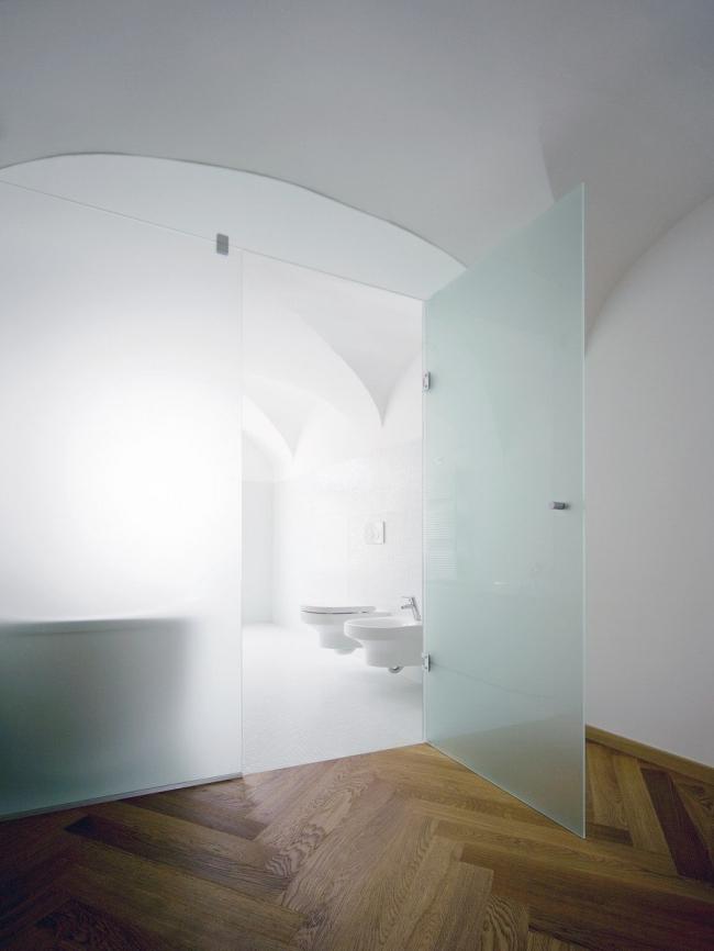 "Жилой комплекс ""Baroque Court Apartments"". Фото предоставлено OFIS arhitekti. Фотографы Tomaz Gregoric, Jan Celeda"
