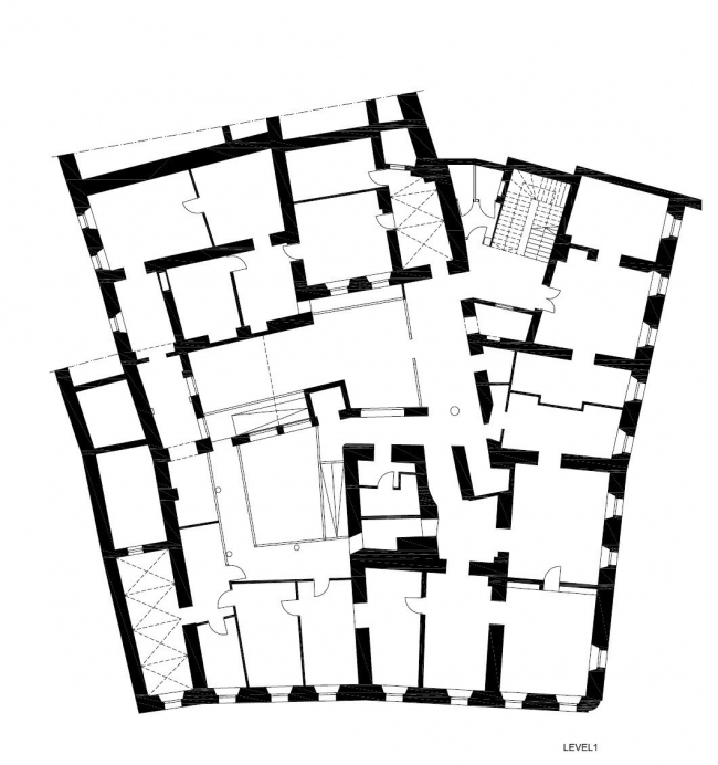 "Жилой комплекс ""Baroque Court Apartments"". План 2-го этажа до начала реконструкции. Предоставлено OFIS arhitekti"