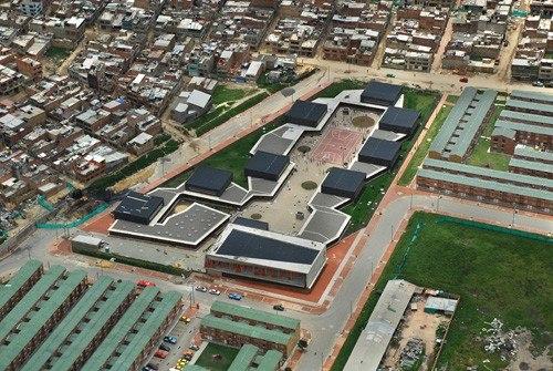 Школа Colegio Gerardo Molina, Вид сверху. Богота, Колумбия © Foto Rudolf S.A.S.