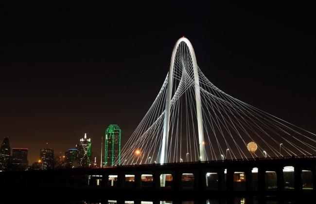 Мост Маргарет Хант Хилл. Фото Dana Driensky